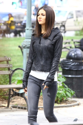 Actress Victoria Justice gets into character in NYC on the set of 'Eye Candy' a crime thriller about a woman who suspects one of her online dates is a serial killer