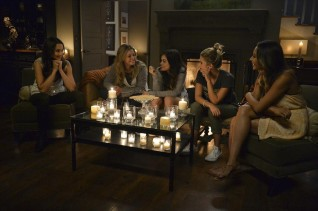 TROIAN BELLISARIO, SASHA PIETERSE, LUCY HALE, ASHLEY BENSON, SHAY MITCHELL