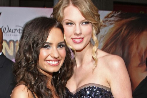 Demi-Lovato-Taylor-Swift-900-600