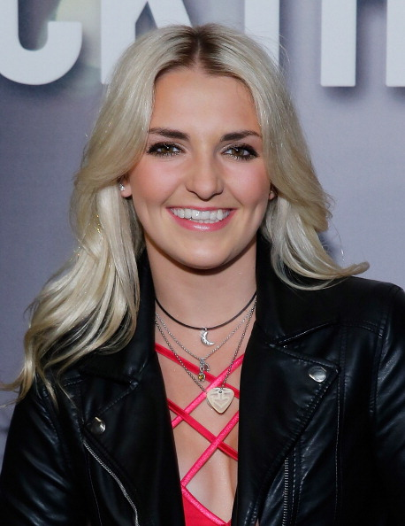Get To Know More About R5 S Rydel Lynch With Vevo Lift
