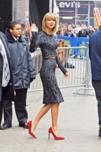 Taylor Swift yawns as she does Good Morning America