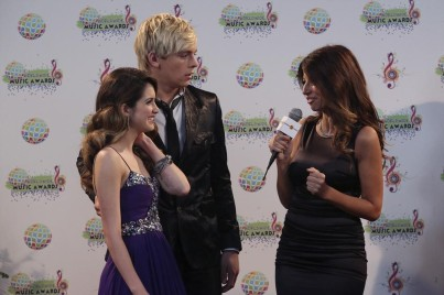 LAURA MARANO, ROSS LYNCH, CLAUDIA DIFOLCO