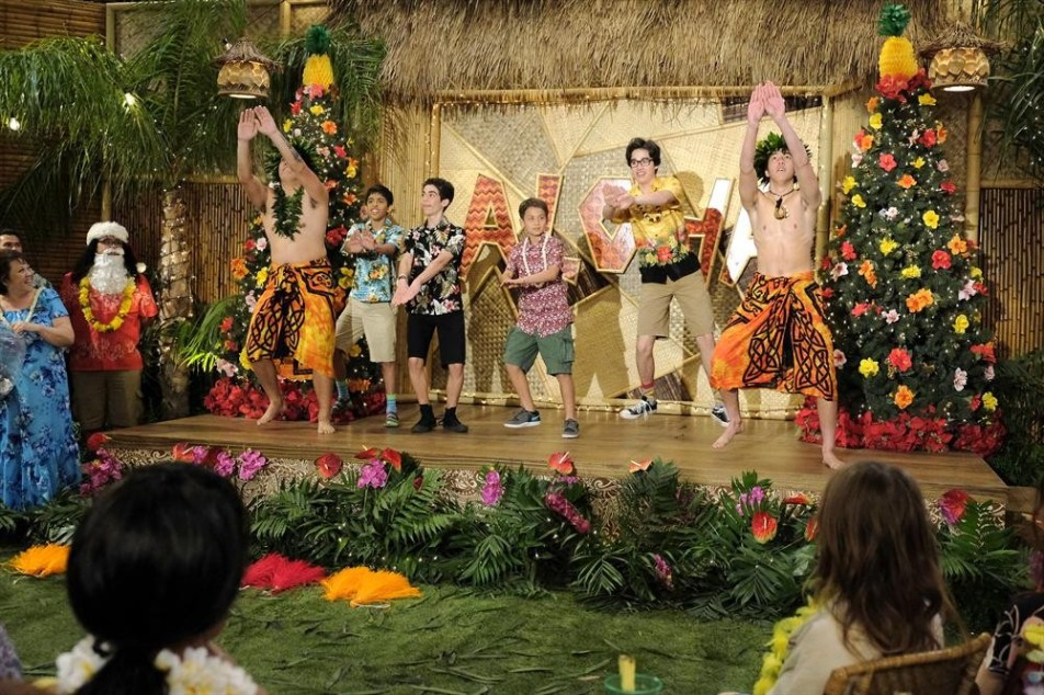 Jessie jessie s aloha holidays with parker and joey in this one hour