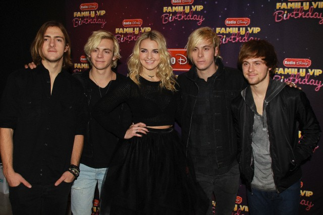 R5 awesome at radio disneys family vip birthday pics here radio disneys family vip birthday los angeles m4hsunfo