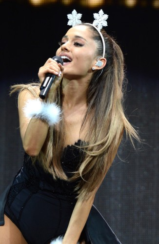 Ariana+Grande+Y100+Jingle+Ball+Show+ZVOP4Y6M2g3l