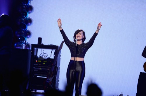 Demi+Lovato+HOT+99+5+Jingle+Ball+Show+Uh8ta4URTRCl