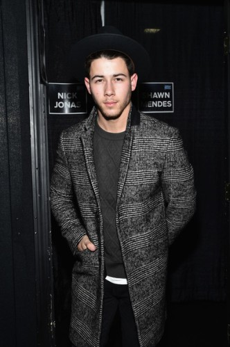 Nick+Jonas+KISS+108+Jingle+Ball+2014+Backstage+NnIBkNIYlygl