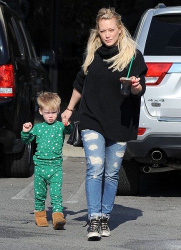 Hilary+Duff+Son+Luca+Stop+Starbucks+dE3KgZNFXJol