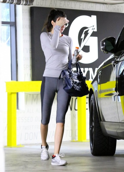 Kendall+Jenner+Kendall+Jenner+Works+Up+Sweat+H3Pg8rCYo7pl