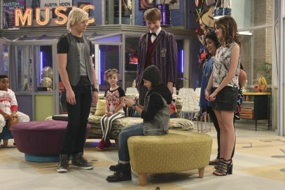 MARLEIK WALKER II, ROSS LYNCH, MIMI KIRKLAND, ISAAK PRESLEY, CALUM WORTHY, RAINI RODRIGUEZ, LAURA MARANO