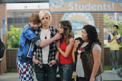 CALUM WORTHY, ROSS LYNCH, LAURA MARANO, RAINI RODRIGUEZ