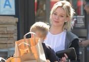 Hilary+Duff+Shops+Groceries+Luca