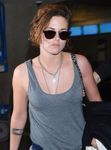 Kristen+Stewart+Arriving+Flight+LAX+rGfbFg0wE-Bl
