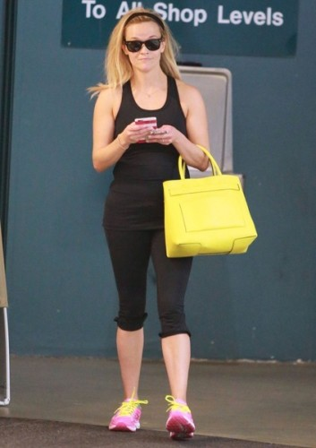 Reese+Witherspoon+Smiles+Ballet+Class+iHtSPix4v3Fl